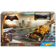 Hot Wheels - Batman vs Superman: Lansator Batmobil