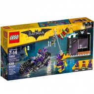 LEGO® Batman: Catwoman Cycle Chase (70902)